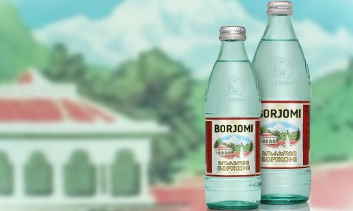 При цистите рекомендуется принимать минеральные воды, которые ощелачивают мочу: это создает неблагоприятные условия для бактерий и препятствует их размножению. К таким напиткам относятся Боржоми