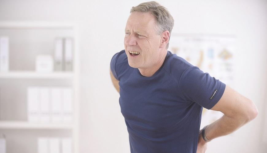 у мужчины острая боль в поясничной области