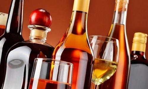 Из рациона пациента исключают все продукты, которые могут раздражать больной орган. Например, алкоголь