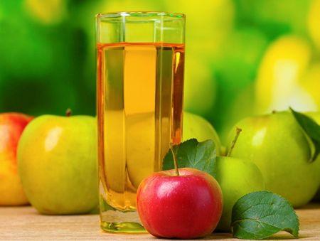 яблоки и компот