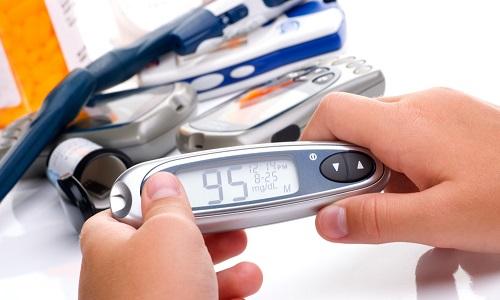Для измерения уровня глюкозы в домашних условиях удобно использовать глюкометр