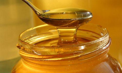 Для приготовления творожного пудинга с рисом возьмите 15г мёда