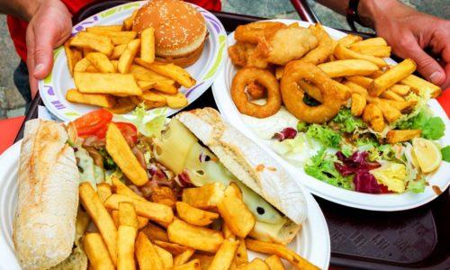 Спазмы усиливаются, если человек, страдающий воспалением поджелудочной железы, нарушает принципы диетического питания