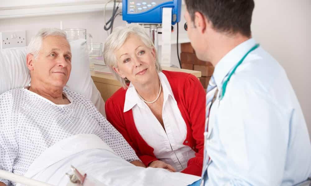 Реабилитационный период при лазерном удалении грыжи позвоночника занимает меньше времени, чем после интерламинэктомии или других инвазивных методов лечения