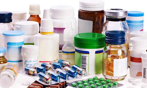 При выборе медикаментов врач учитывает особенности развития и возраст пациента
