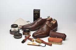 Регулярная чистка и мытье обуви